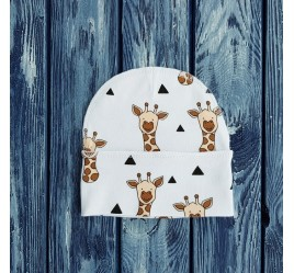 Шапочка, рисунок жирафы на белом