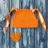 Шапочка с ушками зайка, оранжевая с отделкой морковки
