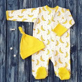 Набор из комбинезона и шапочки, бананы на молочном фоне