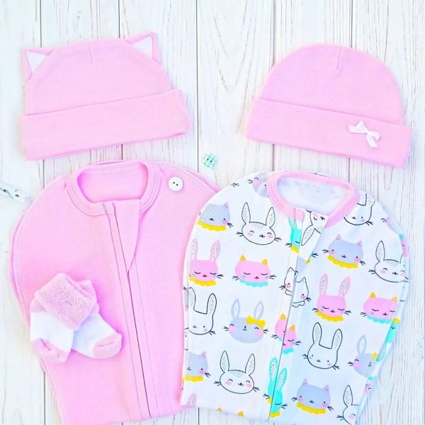 Набор из двух конвертов с шапочками: розовый и зайки